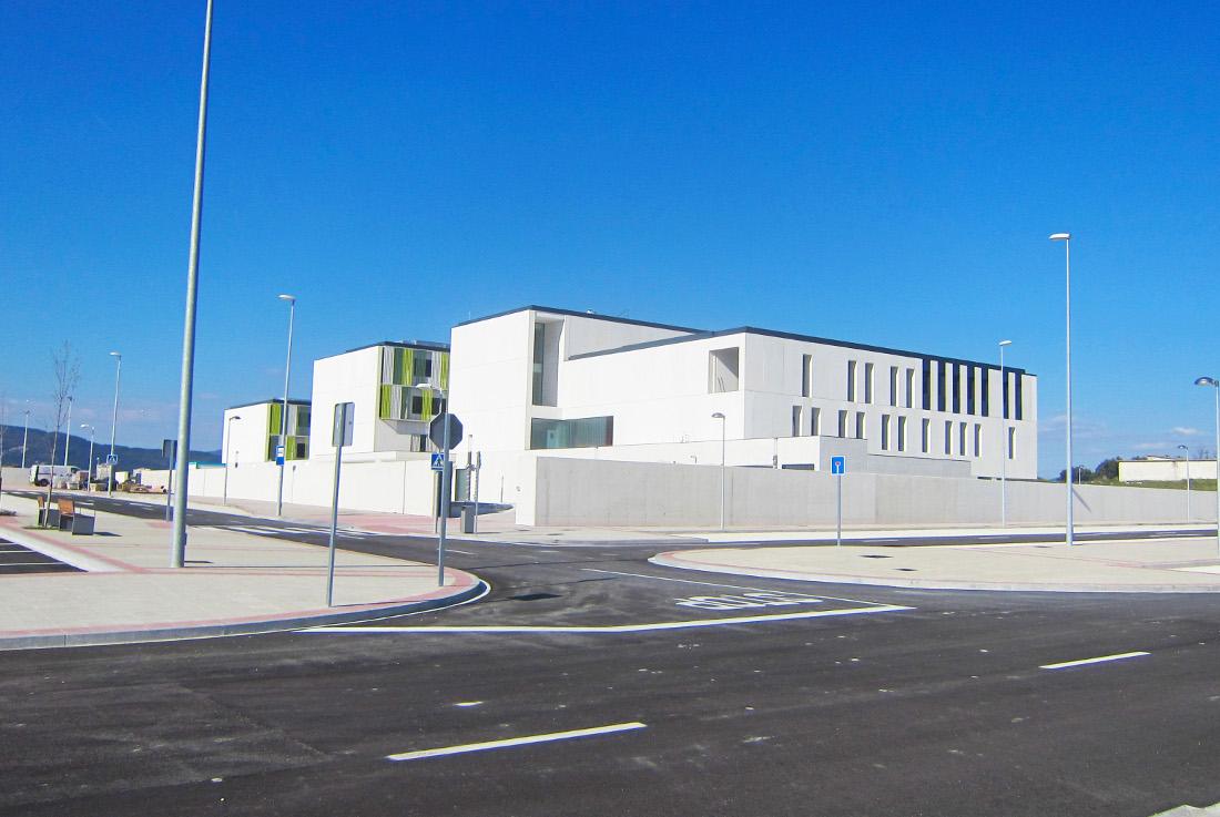 Izaga School